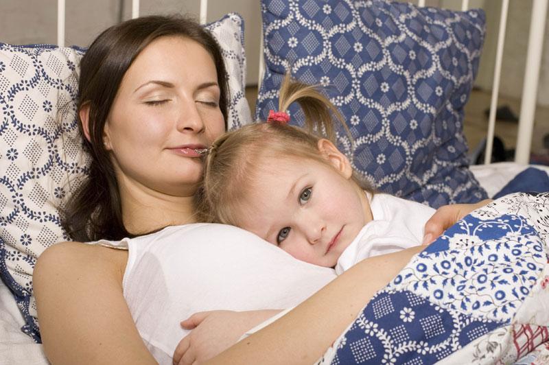 Dete_dolazi_po_utehu_u_roditeljski_krevet