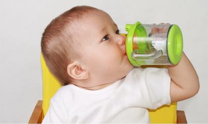 Priprema vode i čajeva za bebu