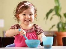 kada_moze_dete_samostalno_da_se_hrani