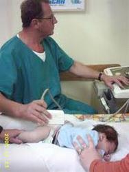 ultrazvucni-pregled-kukova-kod-bebe
