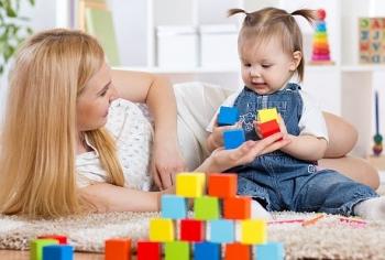 Odrastanje i vaspitanje deteta po Montesori metodi